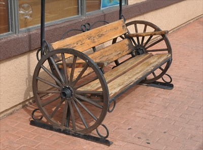 Wagon Wheel Bench Valle Arizona Wheels On
