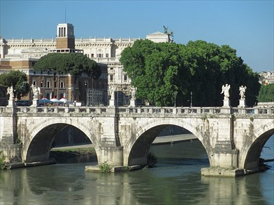 Seen from the Ponte Vittorio Emanuele II