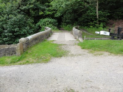 The bottom lock gates can be seen next on the right hand side of the bridge.