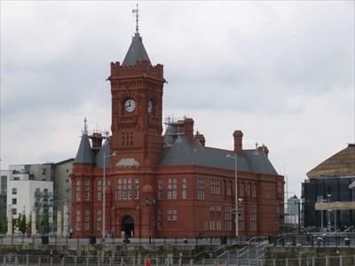 Bae Caerdydd - YN GYMRAEG edition - Cardiff Bay, Wales.