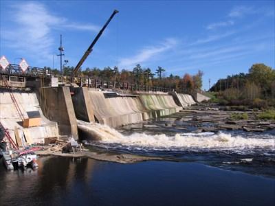 Escanaba River Dam #3 - Wells, Michigan - Water Dams on