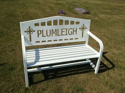 Plumleigh dedicated bench, by MountainWoods