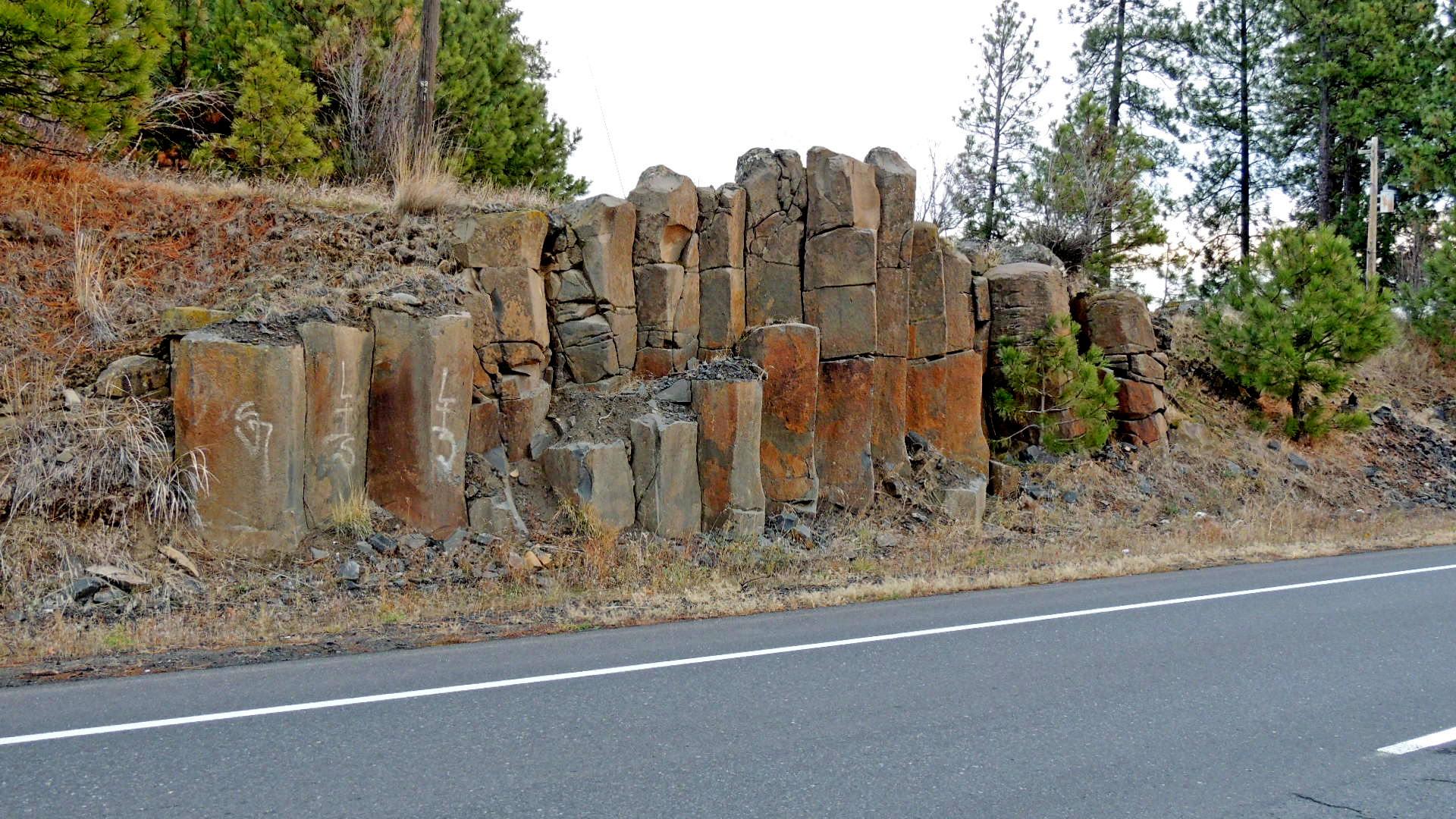 Landscape Boulders Spokane : Basalt columns spokane wa glacial lake missoula flood