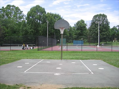 There is also a 1/2 court practice area.