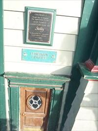 View waymark gallery & Colemanu0027s Irish Pub - Wee Leprechaun Door - Syracuse NY - Wee Folk ...