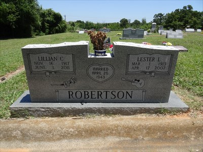 The Robertsons are buried in historic Chinn