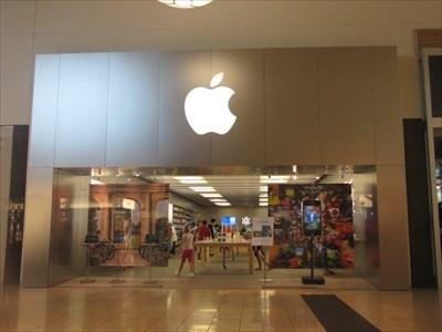 Clothing stores in visalia ca