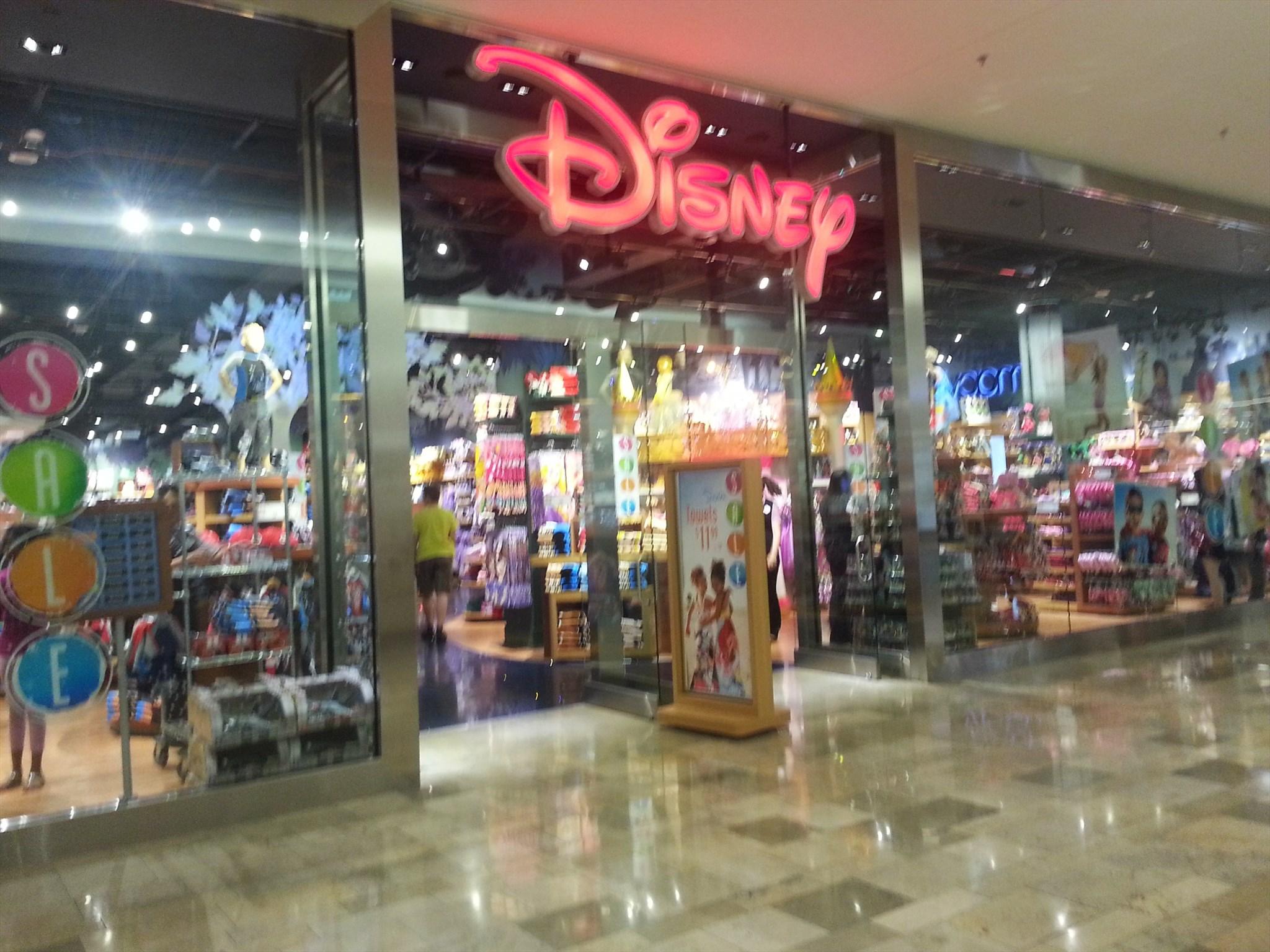 Disney , Fashion Show Mall , Las Vegas, NV Image