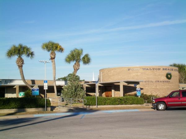 Fort Walton Beach City Hall This Is The Main Building In Government Complex That Includes Coincil Chambers Civil Engineering Department And