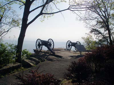 Cannons on Lookout Mountain – Point Park unit (Photo by Chasing Blue Sky )