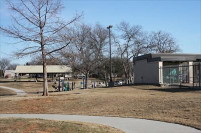 Bowles Park Grand Prairie Tx Municipal Parks And Plazas On