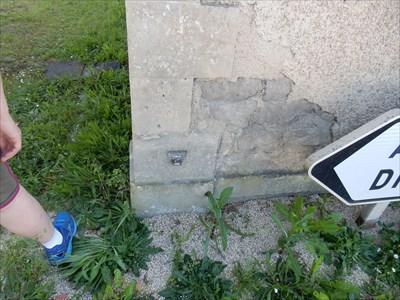 Ancienne maison garde barriere chef boutonne france for Ancienne maison des gardes lourmarin france