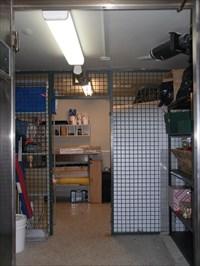 Intérieur du coffre-fort.Inside the safe.