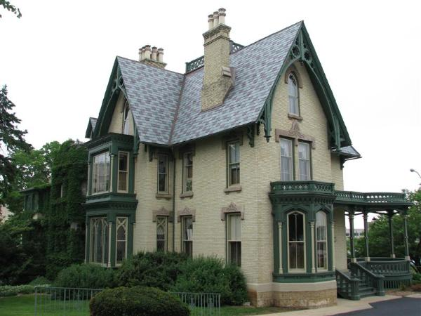 gothic victorian style houses