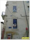 Image for Les fenêtres peintes - Rue du Portail Boquier - Avignon, France