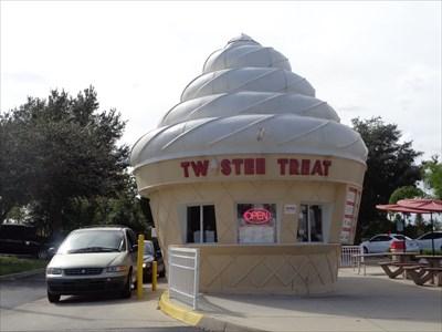 veritas vita visited Twistee Treet - Ice Cream