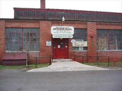 west virginia antique malls Old Factory Antique Mall   Berkeley Springs, West Virginia  west virginia antique malls