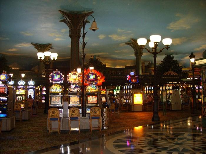 Hertz paris hotel and casino las vegas
