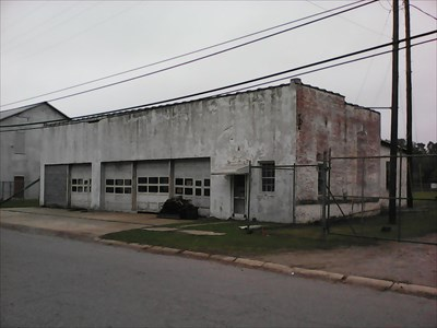 Old Laurinburg Fire Department site now owned by Laurinburg Machine Shop.