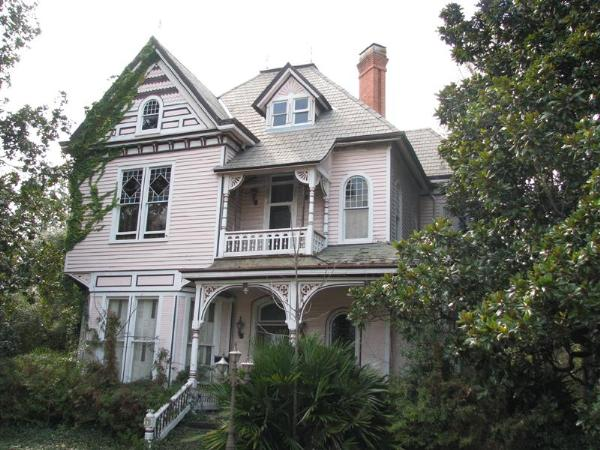 Queen anne victorian house plans for Custom victorian homes