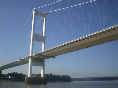 Pont Hafren - YN GYMRAEG - edition - Wales.