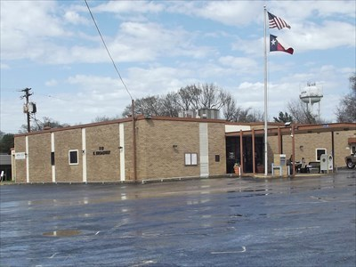 City Hall - Gladewater, TX - City and Town Halls on