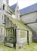 Image for Ossuaire, Eglise Notre Dame, Kergrist Moelou
