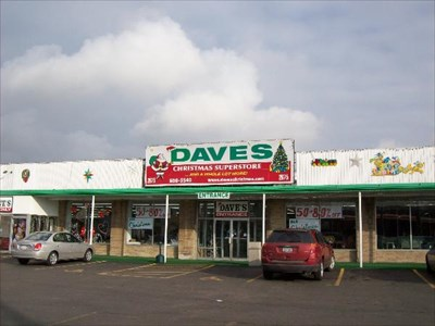 Daves Crafts and Christmas   Cheektowaga NY   Christmas Stores on GK4FNZS0