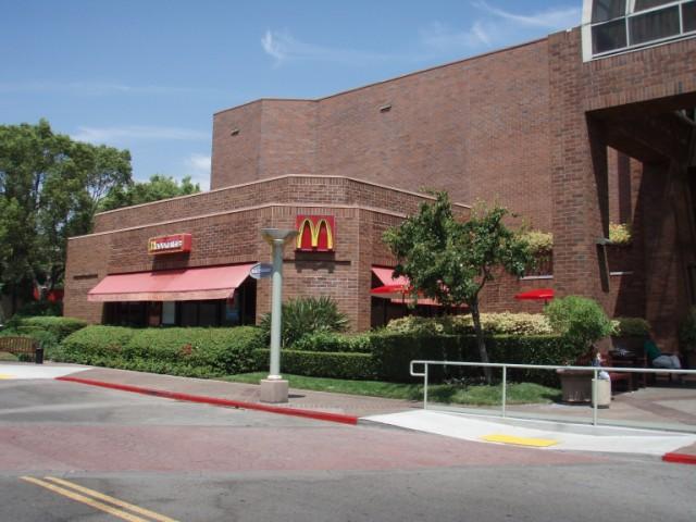Mcdonalds Glendale Galleria Glendale Ca Exterior