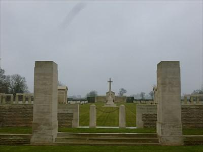 Le cimetière.