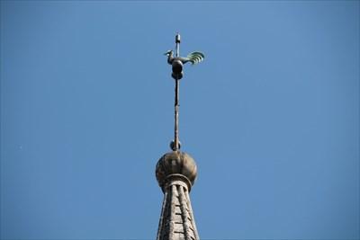Petite vue au téléobjectif du haut du clocher.