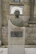Image for «Misterioso» busto dedicado ao ex párroco de Vimianzo - Vimianzo, SP