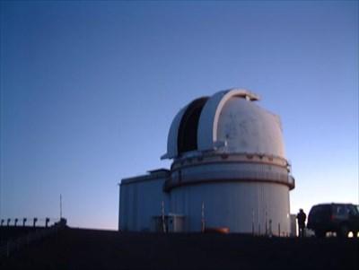 """""""UNIVERSITY of HAWAI'I - 2.2-Meter Telescope ..."""
