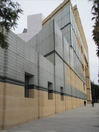 Museum Front, Los Angeles