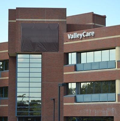 ValleyCare Medical Center - Hospitals on Waymarking com