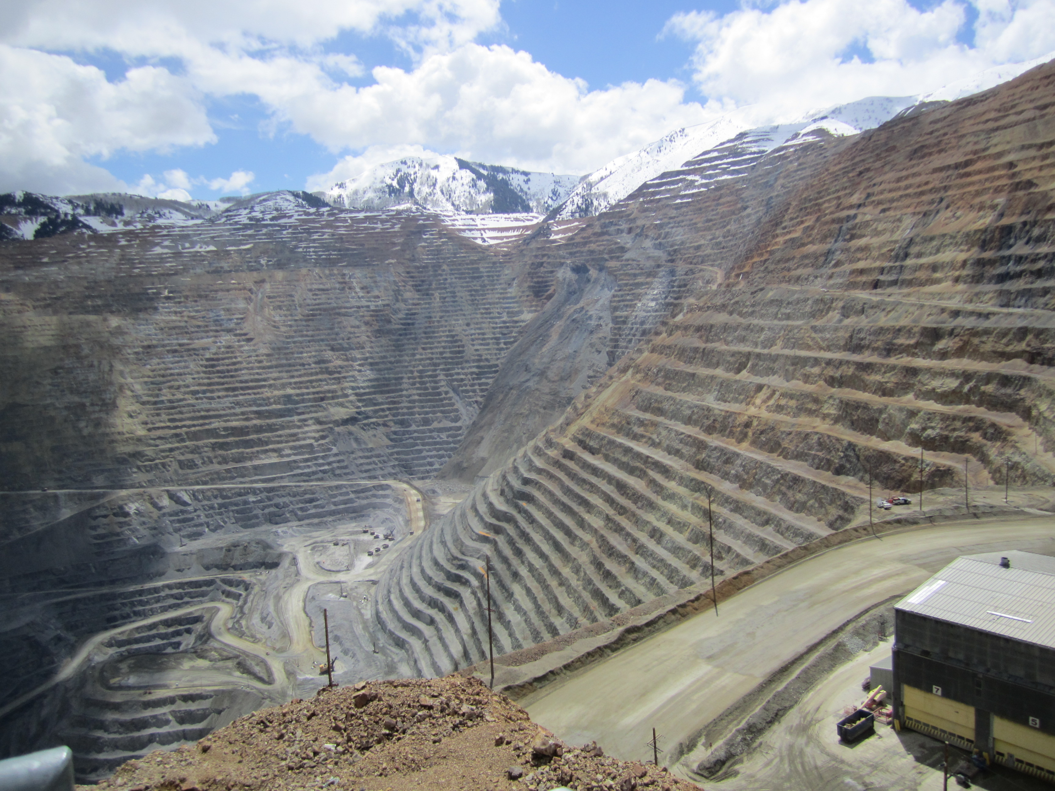 kennecott copper World's second largest mining company rio tinto (asx, lon:rio) has lifted force majeure on shipments of refined copper from its kennecott unit in the us, 79 days.
