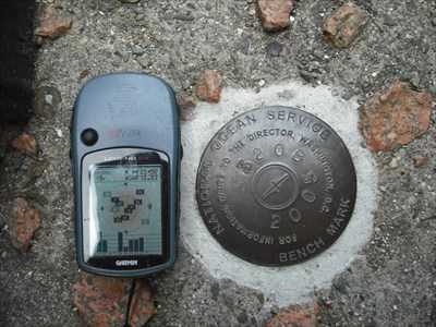 NOS 841 3320 B - Bar Harbor, ME - closeup with GPS