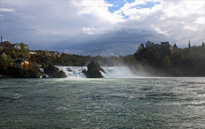 A dynamic day for visiting the Rheinfall