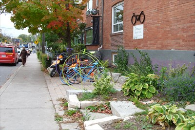 Terrazza Bicycle Park Toronto On Bicycle Tenders On