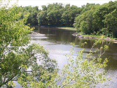 Vue de la rivière St-François du pont de Bromptonville.