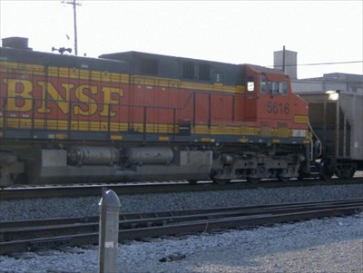 This is another shot of BNSF 5616