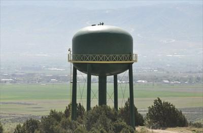 & Kennecott Utah Copper Water Tank - Water Towers on Waymarking.com