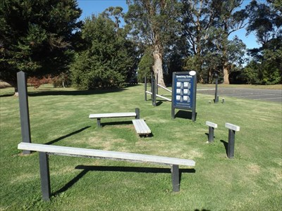 A wider view of this site, on the western edge of Forest Park, next to the Rail Trail and the Snowy River. 1135, Saturday, 14 May, 2016