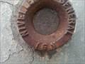 Image for Un repère de nivellement cylindrique à découvrir proche du chemin de fer à Lillers
