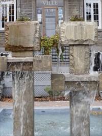 Gros plans de colonnes et carrés d