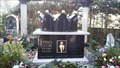 Image for Goldene Krone beherrscht Ferko Czoris Grab - Bonn - NRW - Germany