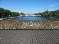 Image for Love locks removed from Pont des Art, Paris