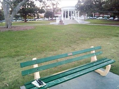 The Dedicated Bench, with the Rotunda in the background.2000 (8pm), Wednesday, 26 December, 2018