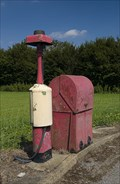 Image for Disused pump by the roadside in Lincolnshire