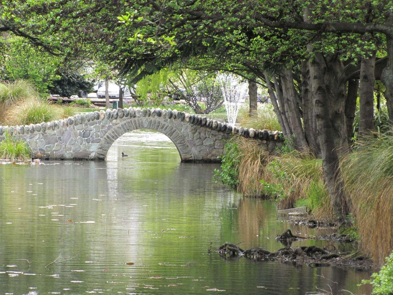 Queenstown Gardens Bridge